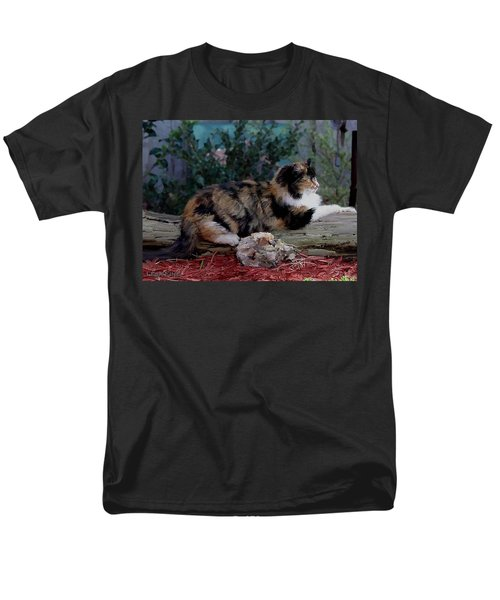 Resting Calico Cat Men's T-Shirt  (Regular Fit)