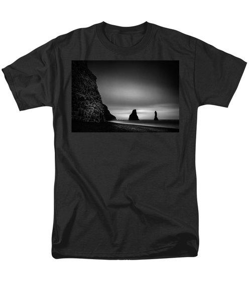 Reynisfjara Men's T-Shirt  (Regular Fit) by Ian Good