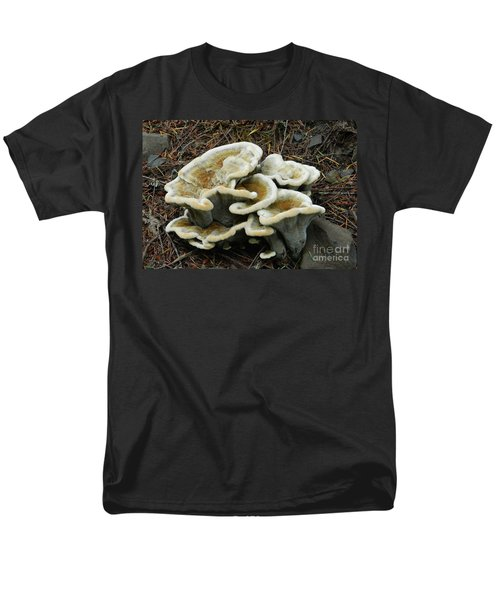 Men's T-Shirt  (Regular Fit) featuring the photograph Roadside Treasure by Chalet Roome-Rigdon