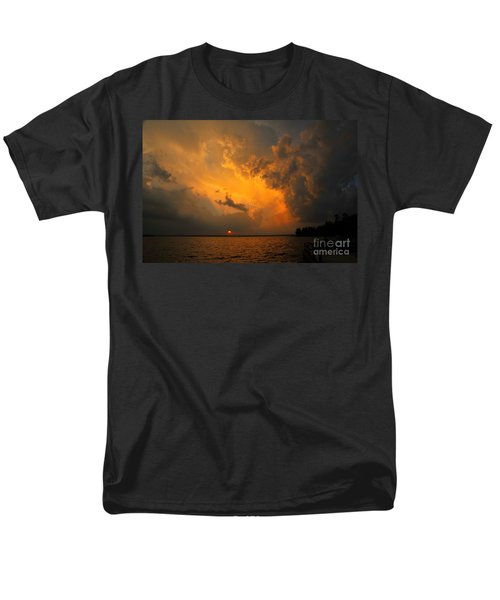 Men's T-Shirt  (Regular Fit) featuring the photograph Roar Of The Heavens by Terri Gostola