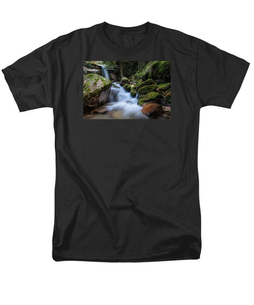 Men's T-Shirt  (Regular Fit) featuring the photograph Rock To Rock Down by Edgar Laureano