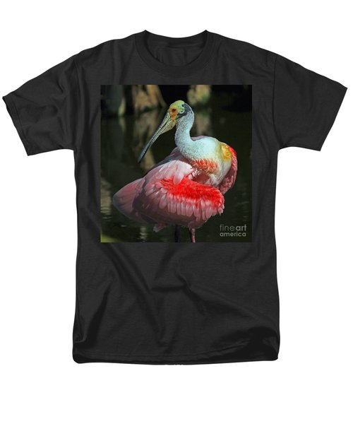 Men's T-Shirt  (Regular Fit) featuring the photograph Roseate Preening by Larry Nieland
