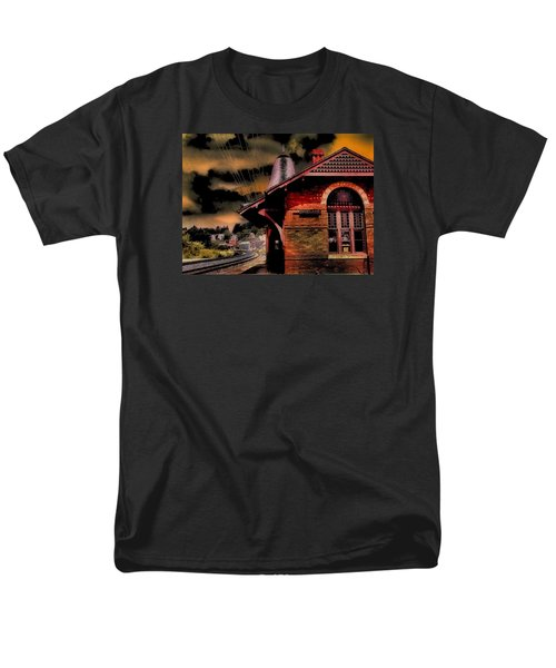 Men's T-Shirt  (Regular Fit) featuring the photograph Roun Da Bend by Robert McCubbin