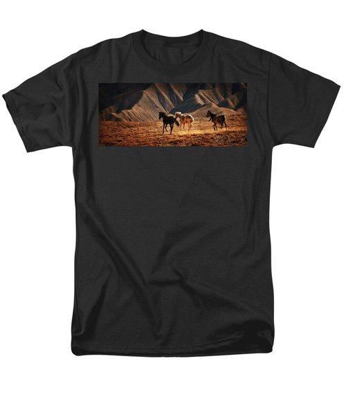 Running Free Men's T-Shirt  (Regular Fit) by Priscilla Burgers