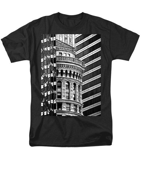 San Francisco Design Men's T-Shirt  (Regular Fit) by Art Shimamura