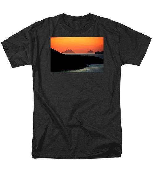 Skellig Islands  Men's T-Shirt  (Regular Fit)