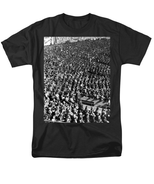 Baseball Fans At Yankee Stadium In New York   Men's T-Shirt  (Regular Fit) by Underwood Archives