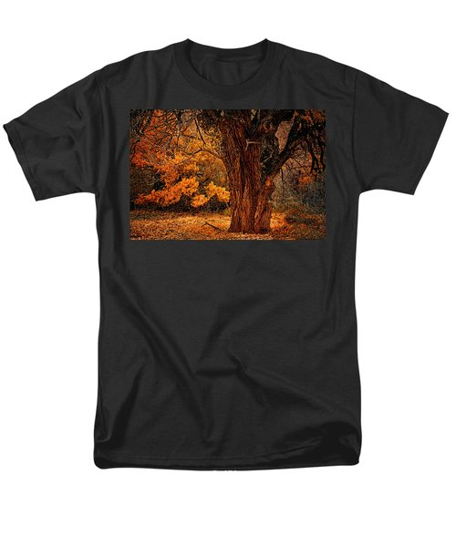 Men's T-Shirt  (Regular Fit) featuring the photograph Stately Oak by Priscilla Burgers