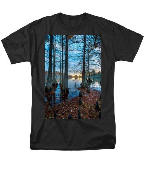 Steinhagen Reservoir Vertical Men's T-Shirt  (Regular Fit) by David Morefield