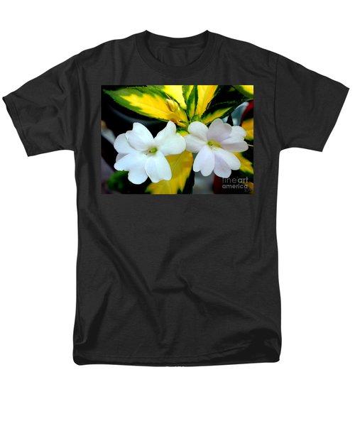 Sun Patiens Spreading White Variagated Men's T-Shirt  (Regular Fit)