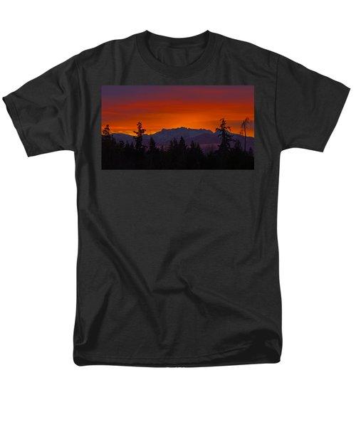 Sundown Men's T-Shirt  (Regular Fit) by Randy Hall
