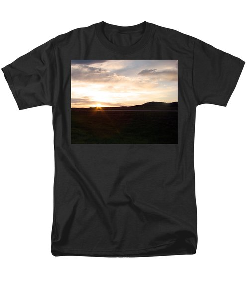 Men's T-Shirt  (Regular Fit) featuring the photograph Sunset Across I 90 by Cathy Anderson