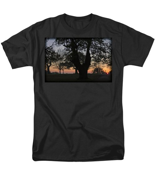 Sunset In Richmond Park Men's T-Shirt  (Regular Fit) by Maj Seda