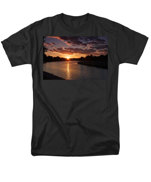 Sunset On The River Men's T-Shirt  (Regular Fit) by Dave Files