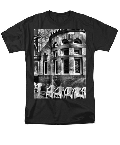 Men's T-Shirt  (Regular Fit) featuring the photograph Takin It To Da Bank  by Robert McCubbin