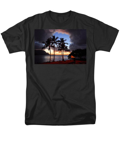 Men's T-Shirt  (Regular Fit) featuring the photograph The Center Of The Storm by Lynn Bauer
