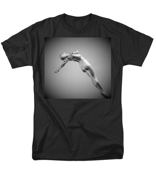 The Free Dive Men's T-Shirt  (Regular Fit) by Gary Smith