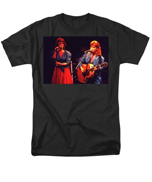 Men's T-Shirt  (Regular Fit) featuring the photograph The Judds by Mike Martin