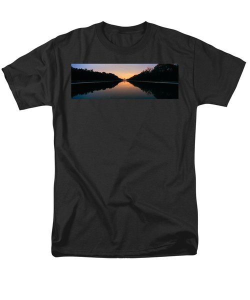 The Lincoln Memorial At Sunset Men's T-Shirt  (Regular Fit) by Panoramic Images