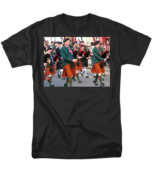 Men's T-Shirt  (Regular Fit) featuring the photograph The Pipers by Suzanne Oesterling