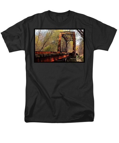 Train Trestle   Men's T-Shirt  (Regular Fit)