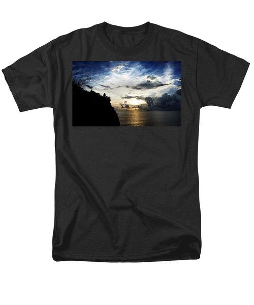 Men's T-Shirt  (Regular Fit) featuring the photograph Uluwatu Temple by Yew Kwang