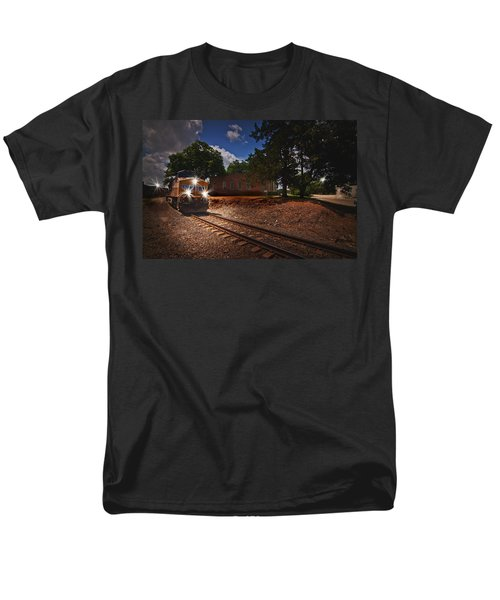 Union Pacific 7917 Train Men's T-Shirt  (Regular Fit) by Linda Unger