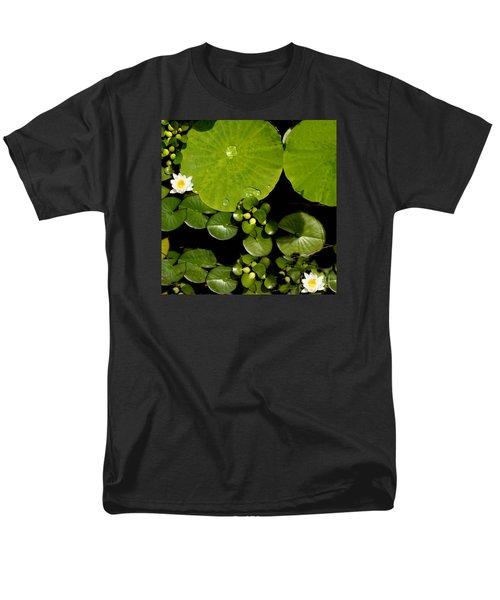 Water Drops Bristol Rhode Island Men's T-Shirt  (Regular Fit)
