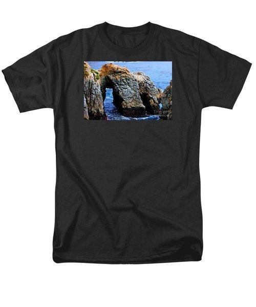 Water Tunnel Men's T-Shirt  (Regular Fit)