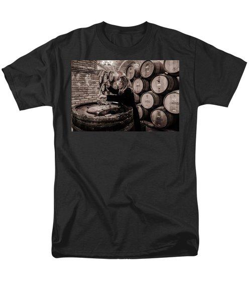Wine Tasting Men's T-Shirt  (Regular Fit) by Linda Villers