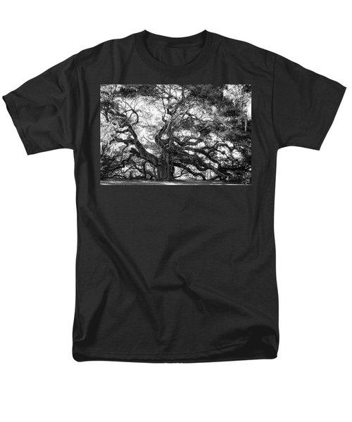 Angel Oak Men's T-Shirt  (Regular Fit) by Lynne Jenkins