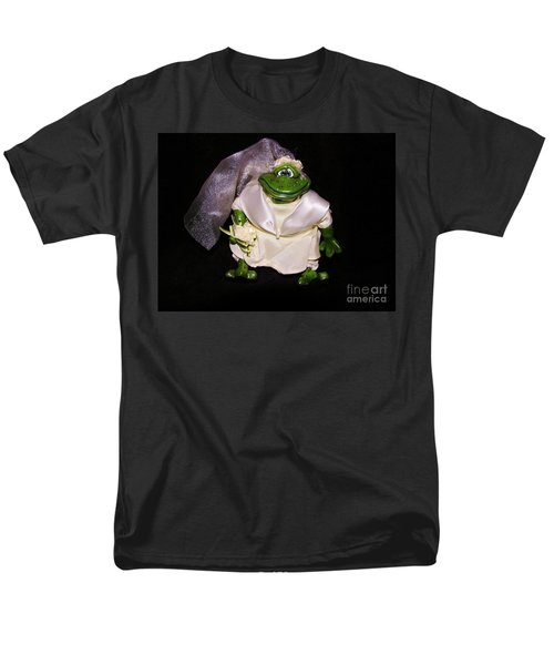 Men's T-Shirt  (Regular Fit) featuring the photograph The Green Bride by Sherman Perry
