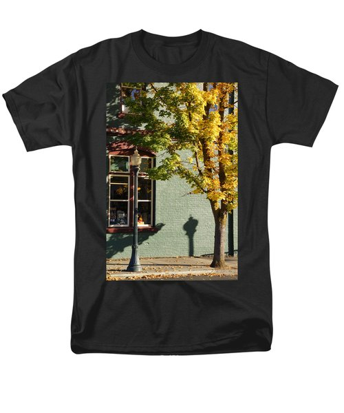 Men's T-Shirt  (Regular Fit) featuring the photograph Autumn Detail In Old Town Grants Pass by Mick Anderson