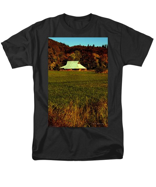 Men's T-Shirt  (Regular Fit) featuring the photograph Barn In The Style Of The 60s by Mick Anderson