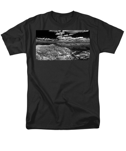 Bryce Canyon Ampitheater - Black And White Men's T-Shirt  (Regular Fit) by Larry Carr