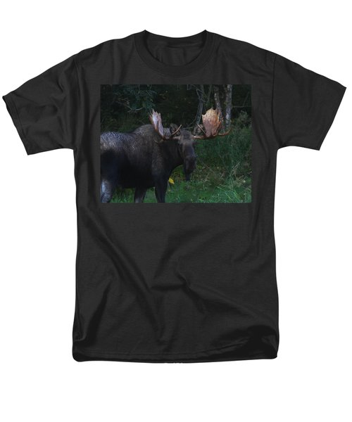 Men's T-Shirt  (Regular Fit) featuring the photograph Checking You Out by Doug Lloyd