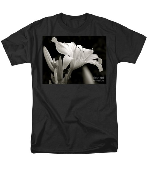 Daylily Study In Bw Iv Men's T-Shirt  (Regular Fit) by Sue Stefanowicz