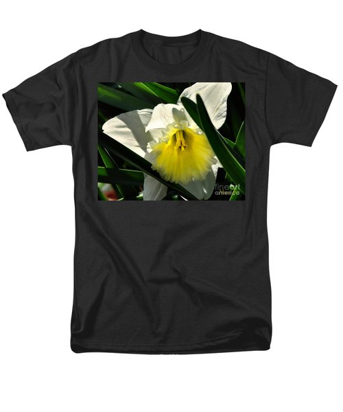 Men's T-Shirt  (Regular Fit) featuring the photograph Face The Sun by Nava Thompson