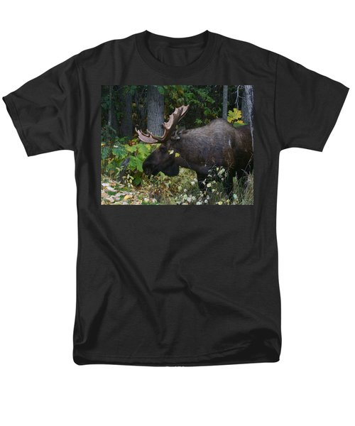 Men's T-Shirt  (Regular Fit) featuring the photograph Fall Master by Doug Lloyd