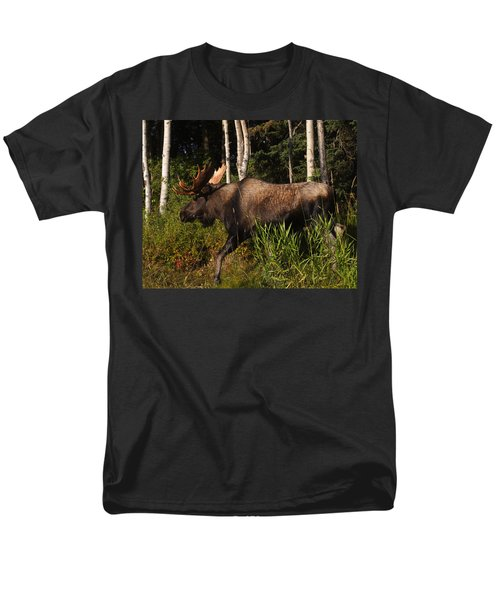 Men's T-Shirt  (Regular Fit) featuring the photograph Fast Mover by Doug Lloyd