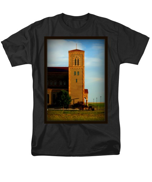 Men's T-Shirt  (Regular Fit) featuring the photograph Kansas Architecture by Jeanette C Landstrom