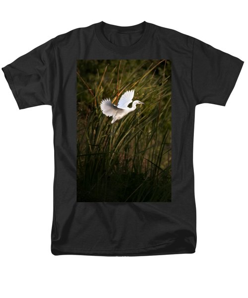 Men's T-Shirt  (Regular Fit) featuring the photograph Little Blue Heron On Approach by Steven Sparks