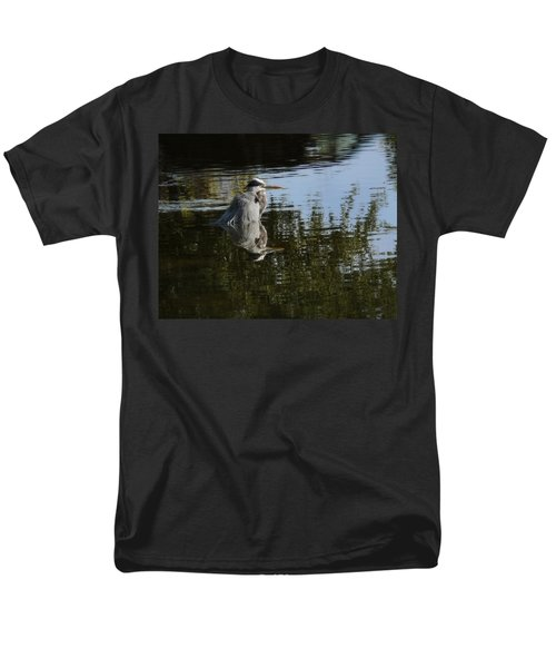 Men's T-Shirt  (Regular Fit) featuring the photograph Morning Bath by Steven Sparks