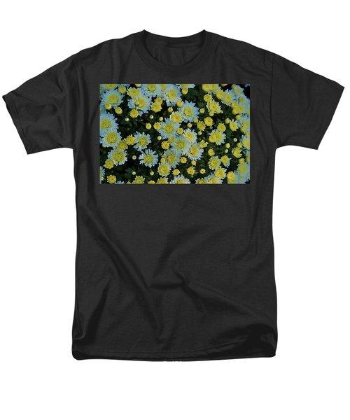 Men's T-Shirt  (Regular Fit) featuring the photograph Mums by Joseph Yarbrough