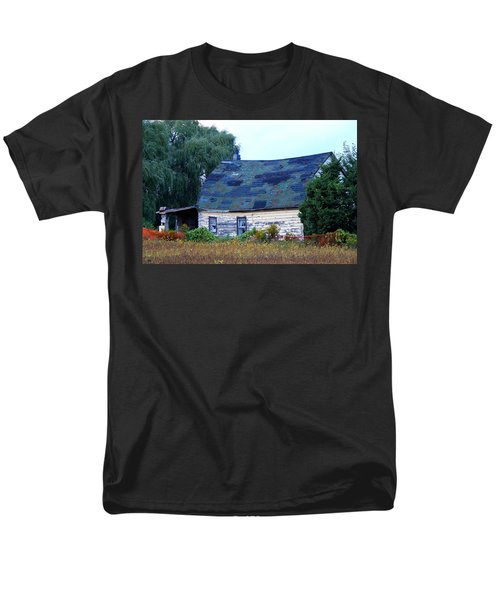 Men's T-Shirt  (Regular Fit) featuring the photograph Old Barn by Davandra Cribbie