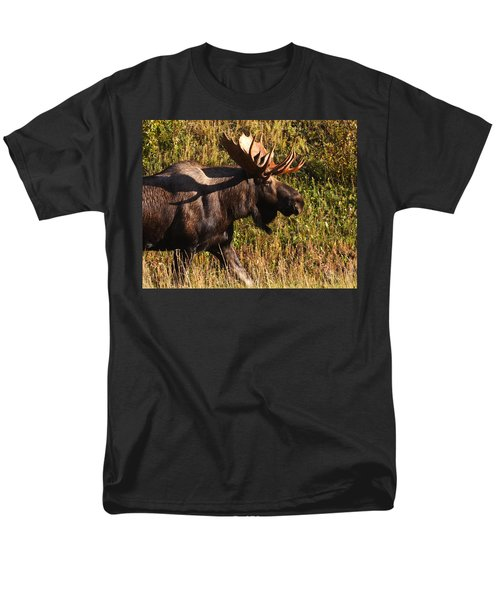 Men's T-Shirt  (Regular Fit) featuring the photograph On The Move by Doug Lloyd