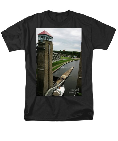 Men's T-Shirt  (Regular Fit) featuring the photograph Peterborough Lift Lock by Alyce Taylor