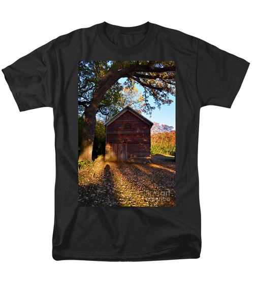 The Weathered Shed Men's T-Shirt  (Regular Fit) by Sue Stefanowicz