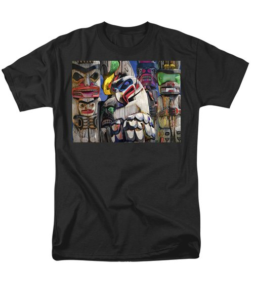 Totem Poles In The Pacific Northwest Men's T-Shirt  (Regular Fit)