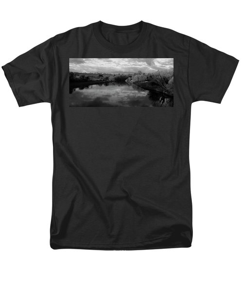 Boyne River Men's T-Shirt  (Regular Fit) by Martina Fagan